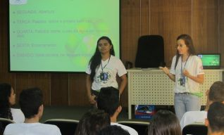 Jovens Aprendizes conhecem os  Programas Ambientais da Expresso Guanabara