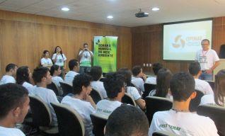 Jovens aprendizes conhecem ações do CCT