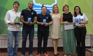 Transportes Urbanos Aliança recebendo o Troféu PMQA – 2017.
